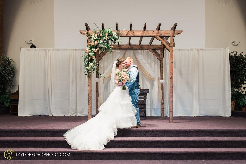 kingsley-united-methodist-church-van-wert-ohio-wedding-photographer-Taylor-Ford-Photography_6782.jpg