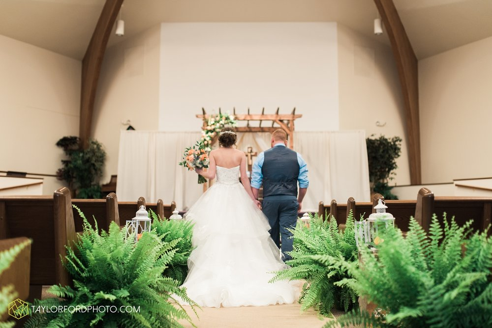 kingsley-united-methodist-church-van-wert-ohio-wedding-photographer-Taylor-Ford-Photography_6809.jpg