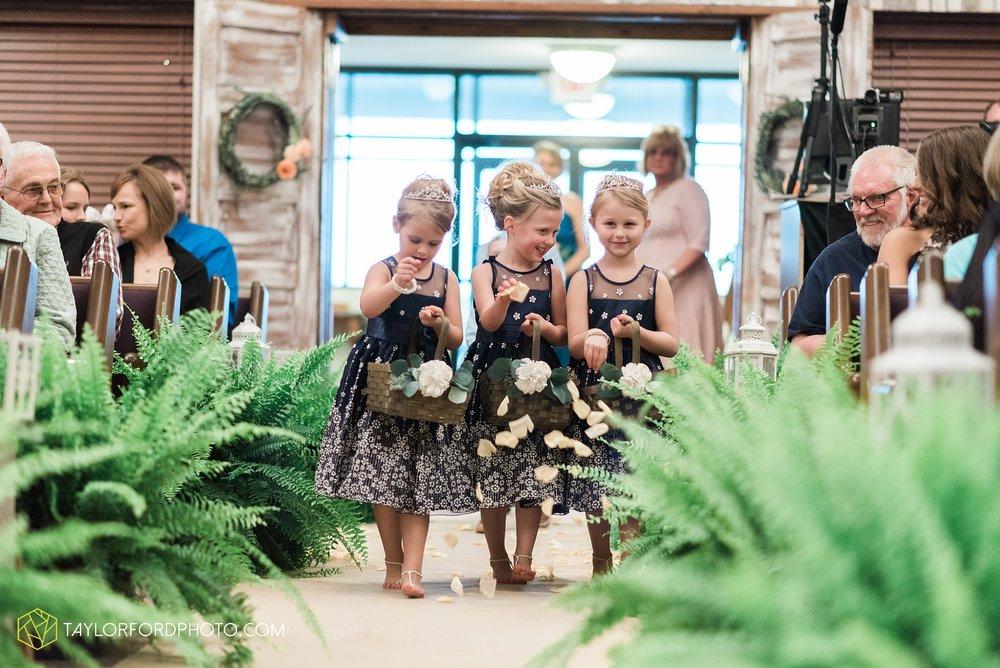 kingsley-united-methodist-church-van-wert-ohio-wedding-photographer-Taylor-Ford-Photography_6816.jpg