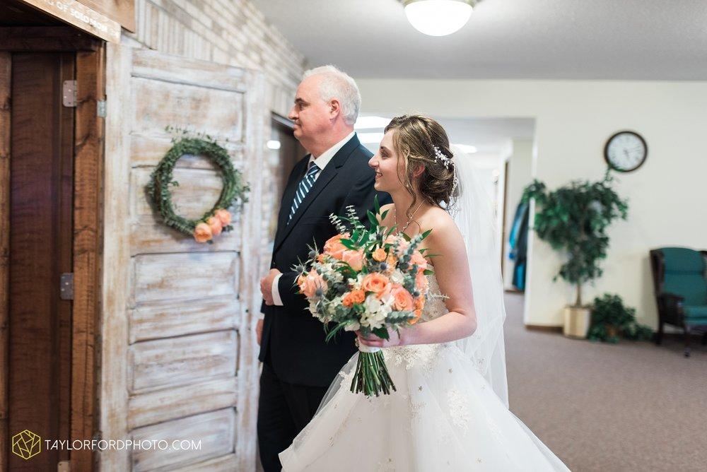 kingsley-united-methodist-church-van-wert-ohio-wedding-photographer-Taylor-Ford-Photography_6818.jpg