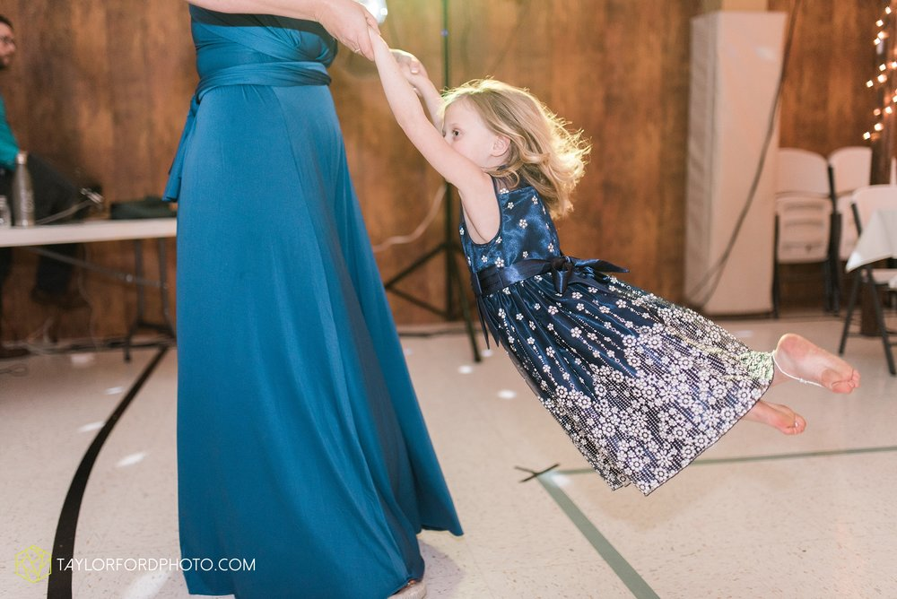 kingsley-united-methodist-church-van-wert-ohio-wedding-photographer-Taylor-Ford-Photography_6864.jpg