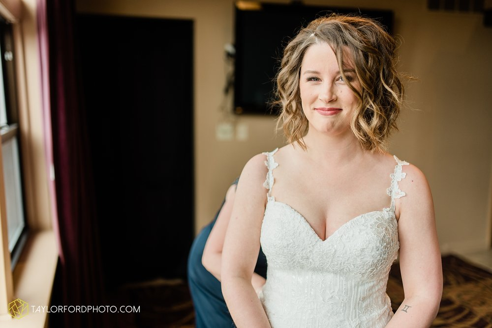 the-philmore-on-broadway-downtown-fort-wayne-indiana-wedding-photographer-Taylor-Ford-Photography_6878.jpg
