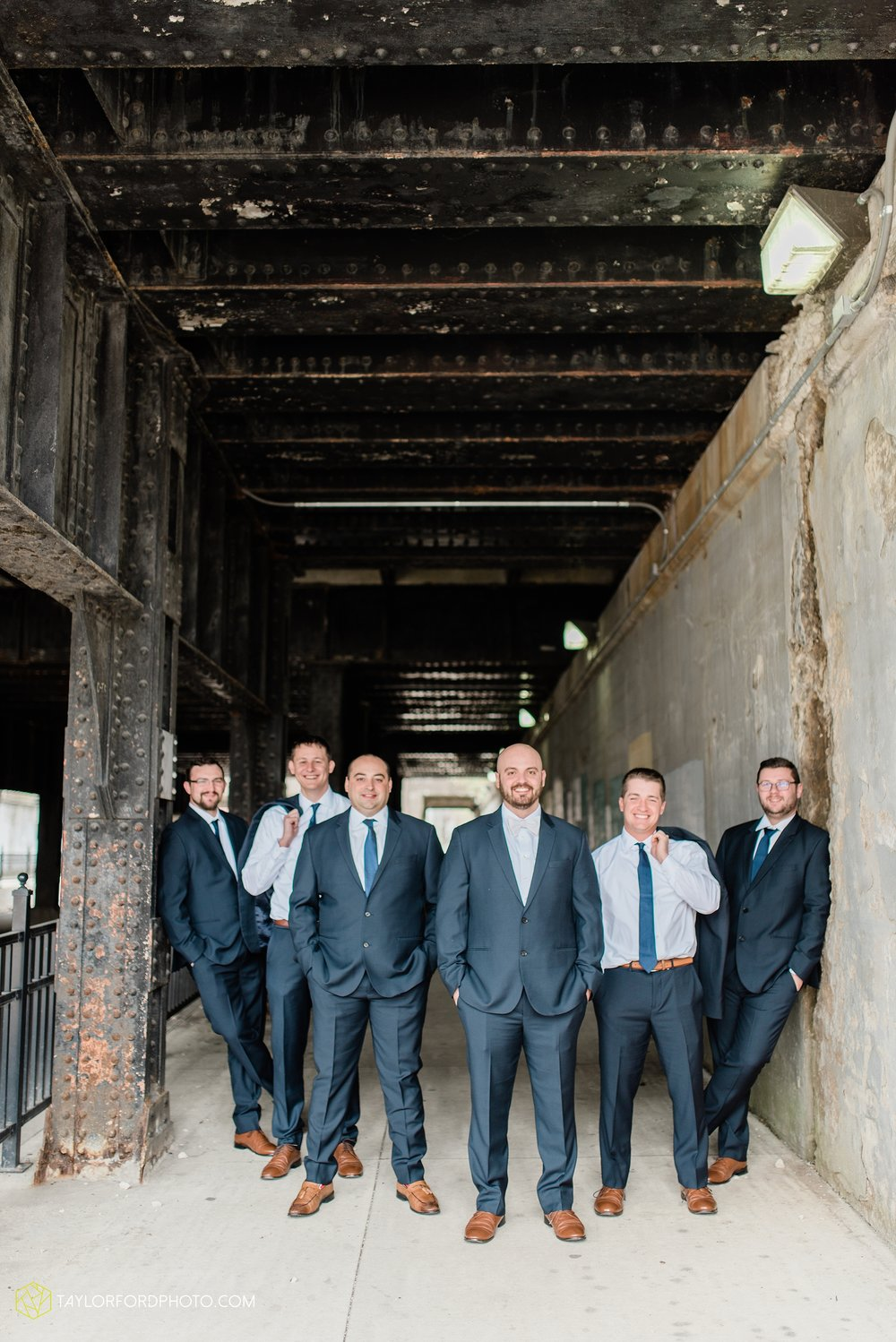 the-philmore-on-broadway-downtown-fort-wayne-indiana-wedding-photographer-Taylor-Ford-Photography_6887.jpg