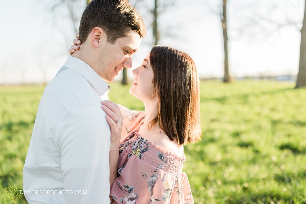 troy-ohio-engagement-wedding-photographer-Taylor-Ford-Photography_7035.jpg