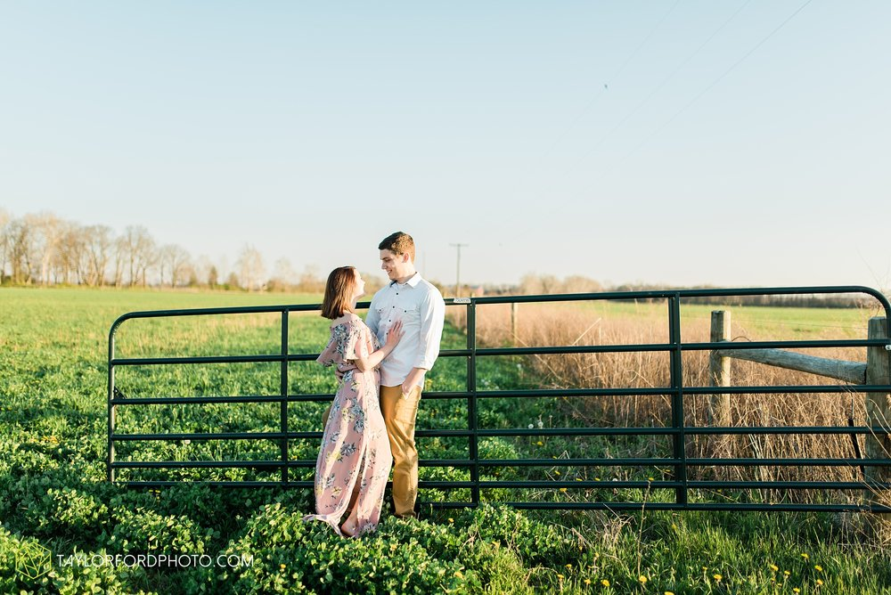 troy-ohio-engagement-wedding-photographer-Taylor-Ford-Photography_7043.jpg