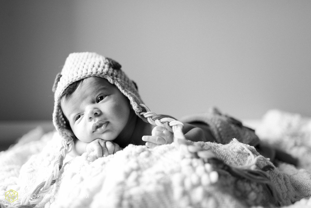 downtown-fort-wayne-indiana-newborn-photographer-Taylor-Ford-Photography_7054.jpg