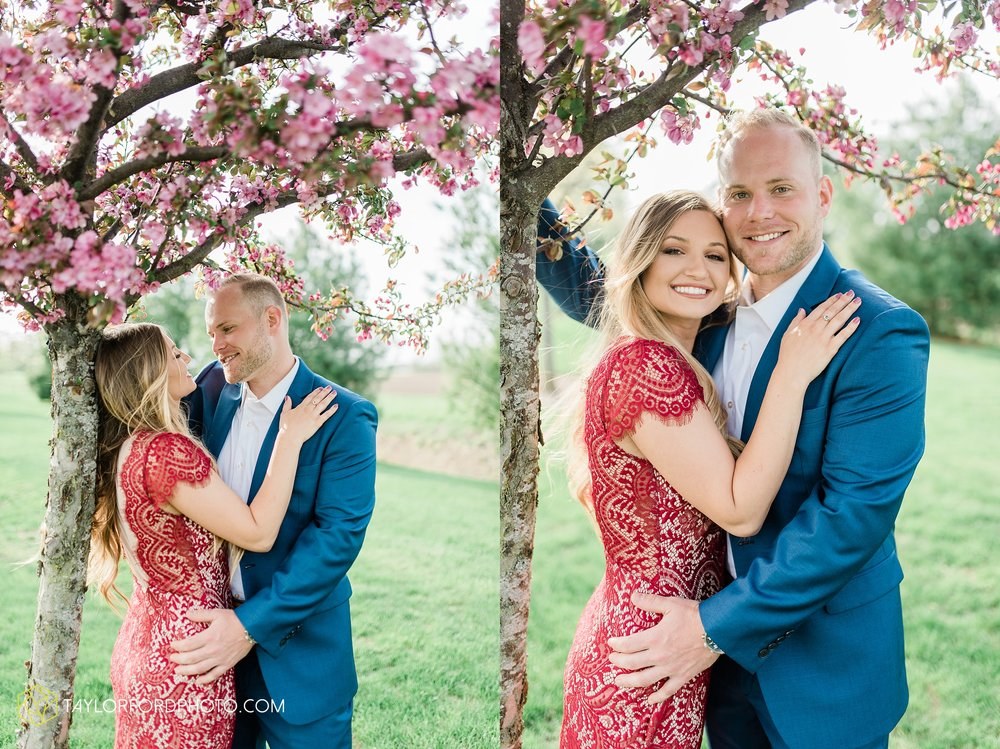 van-wert-ohio-spring-farm-engagement-photographer-photographer-Taylor-Ford-Photography_7082.jpg