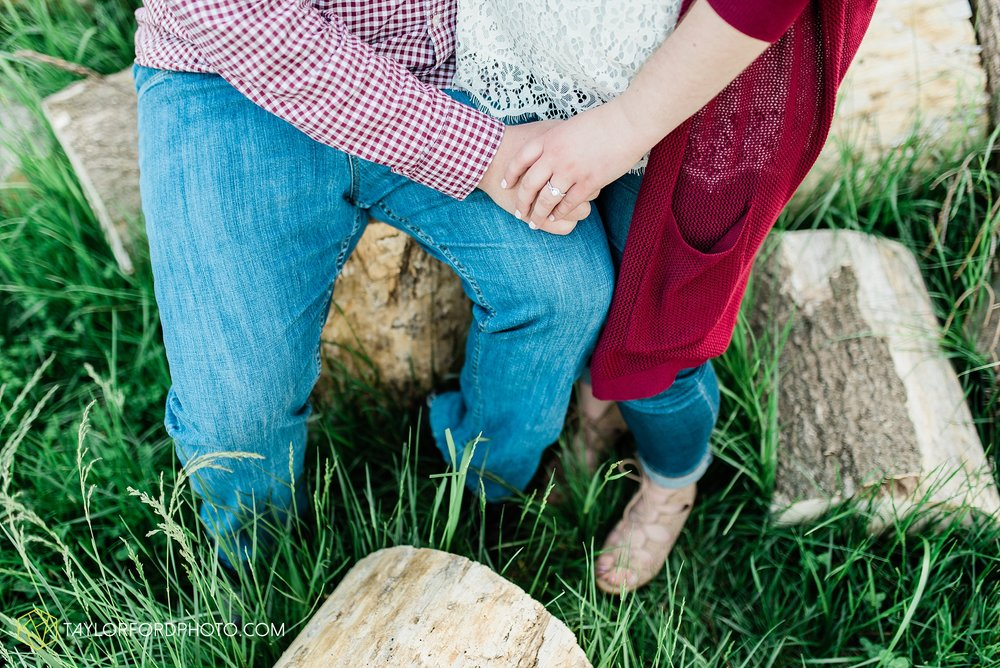 downtown-ipfw-fort-wayne-indiana-engagement-photographer-Taylor-Ford-Photography_7491.jpg