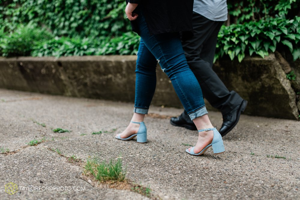 downtown-ipfw-fort-wayne-indiana-engagement-photographer-Taylor-Ford-Photography_7516.jpg