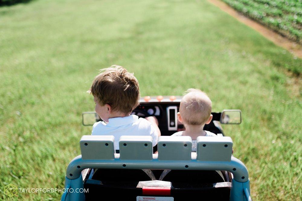 farm-life-van-wert-ohio-family-photographer-Taylor-Ford-Photography_7529.jpg