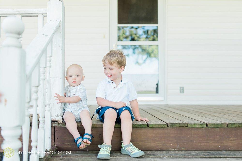 farm-life-van-wert-ohio-family-photographer-Taylor-Ford-Photography_7531.jpg