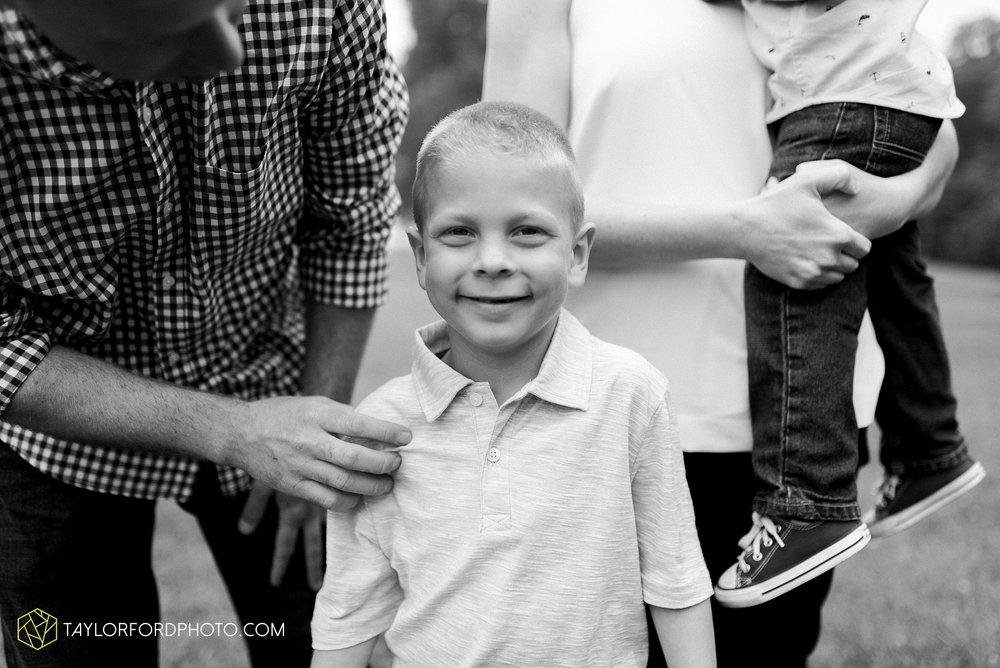 pokagon-state-park-angola-indiana-family-photographer-Taylor-Ford-Photography_8120.jpg