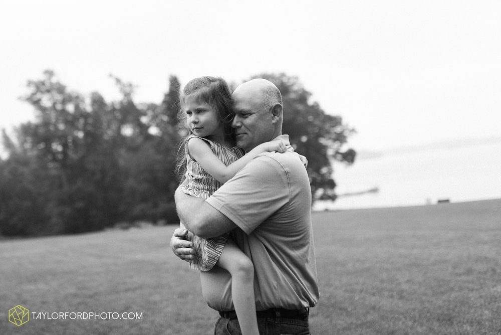 pokagon-state-park-angola-indiana-family-photographer-Taylor-Ford-Photography_8123.jpg
