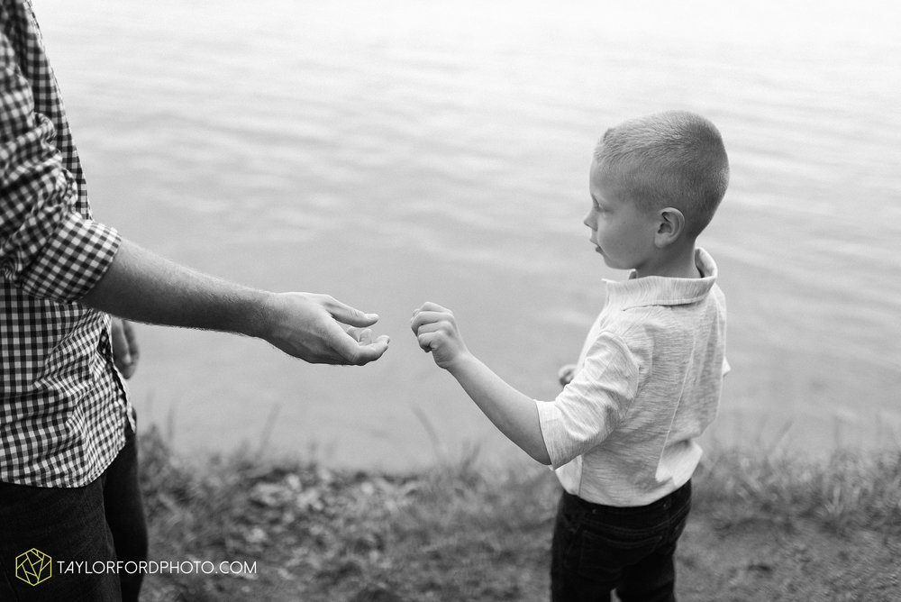 pokagon-state-park-angola-indiana-family-photographer-Taylor-Ford-Photography_8136.jpg