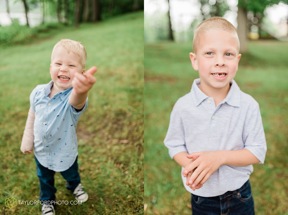 pokagon-state-park-angola-indiana-family-photographer-Taylor-Ford-Photography_8140.jpg