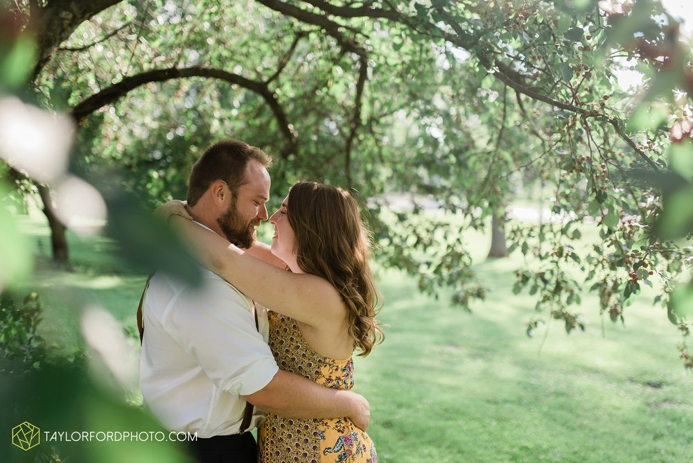 chelsey-jackson-young-downtown-fort-wayne-indiana-the-halls-deck-engagement-wedding-photographer-Taylor-Ford-Photography_8198.jpg