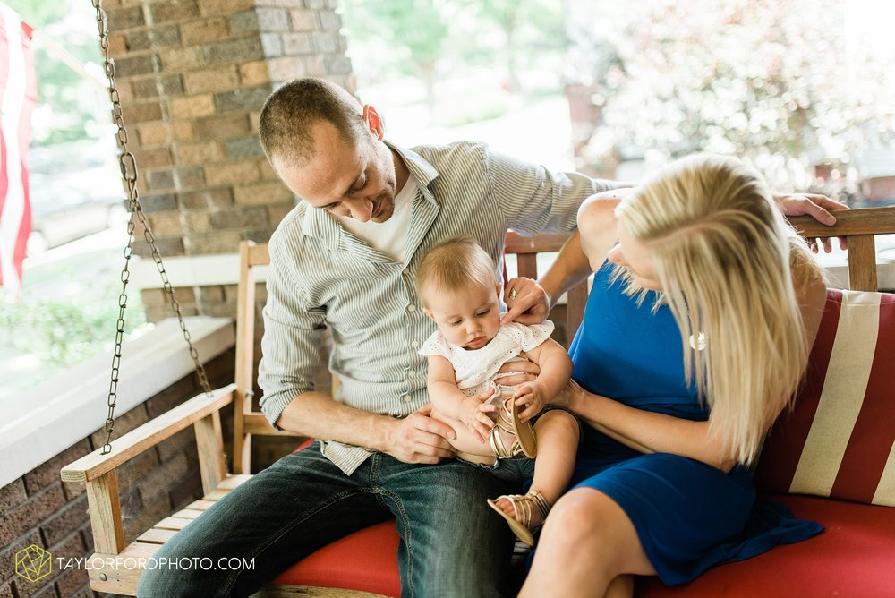 brita-family-downtown-fort-wayne-indiana-home-lifestyle-6-month-child-family-photographer-Taylor-Ford-Photography_8377.jpg