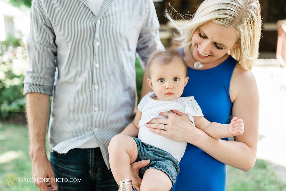 brita-family-downtown-fort-wayne-indiana-home-lifestyle-6-month-child-family-photographer-Taylor-Ford-Photography_8381.jpg