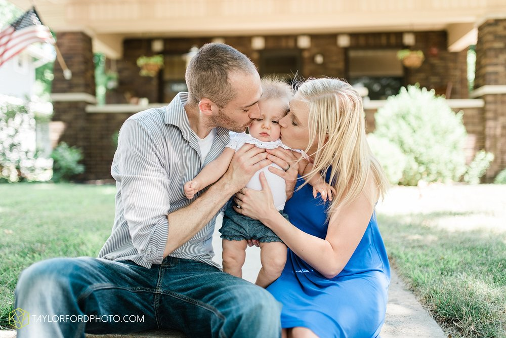 brita-family-downtown-fort-wayne-indiana-home-lifestyle-6-month-child-family-photographer-Taylor-Ford-Photography_8384.jpg
