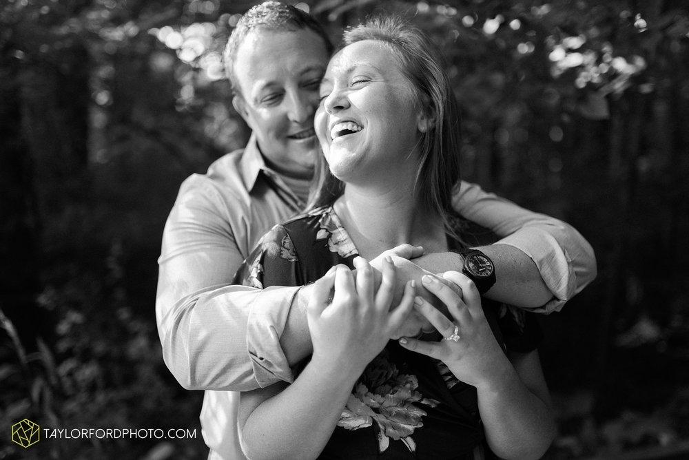 westerville-columbus-ohio-inniswood-metro-park-engagement-wedding-fourth-friday-photographer-Taylor-Ford-Photography_8752.jpg