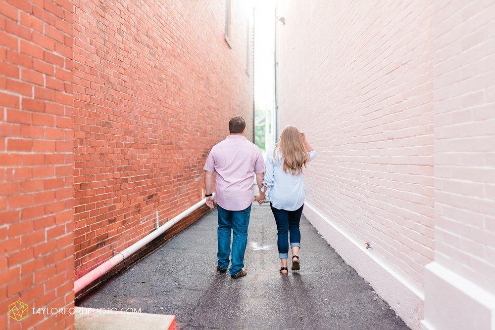 westerville-columbus-ohio-inniswood-metro-park-engagement-wedding-fourth-friday-photographer-Taylor-Ford-Photography_8776.jpg