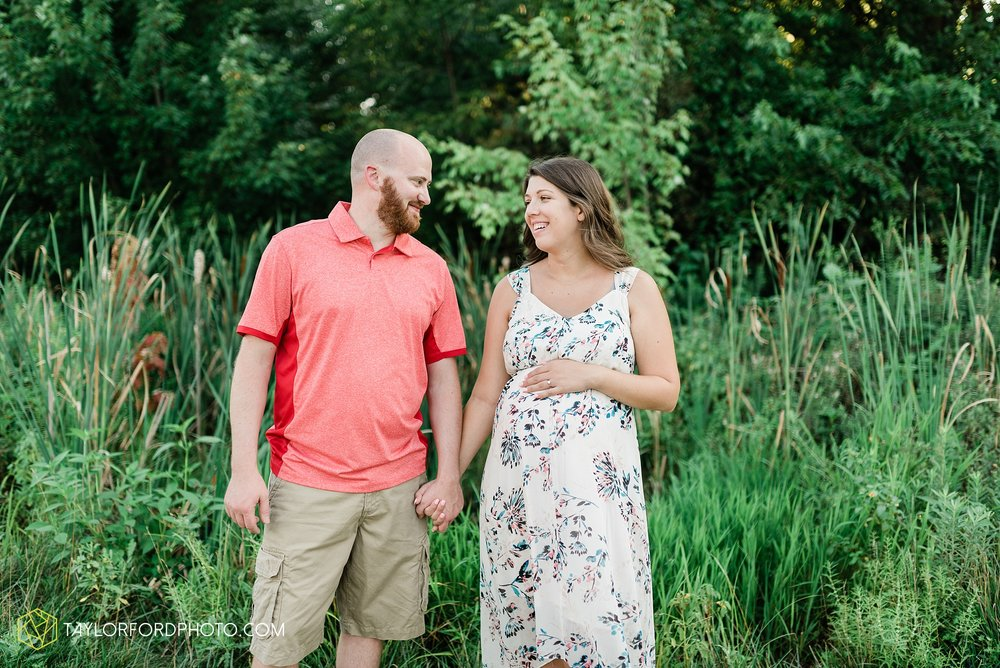 fort-wayne-indiana-maternity-family-photographer-taylor-ford-photographer_9163.jpg