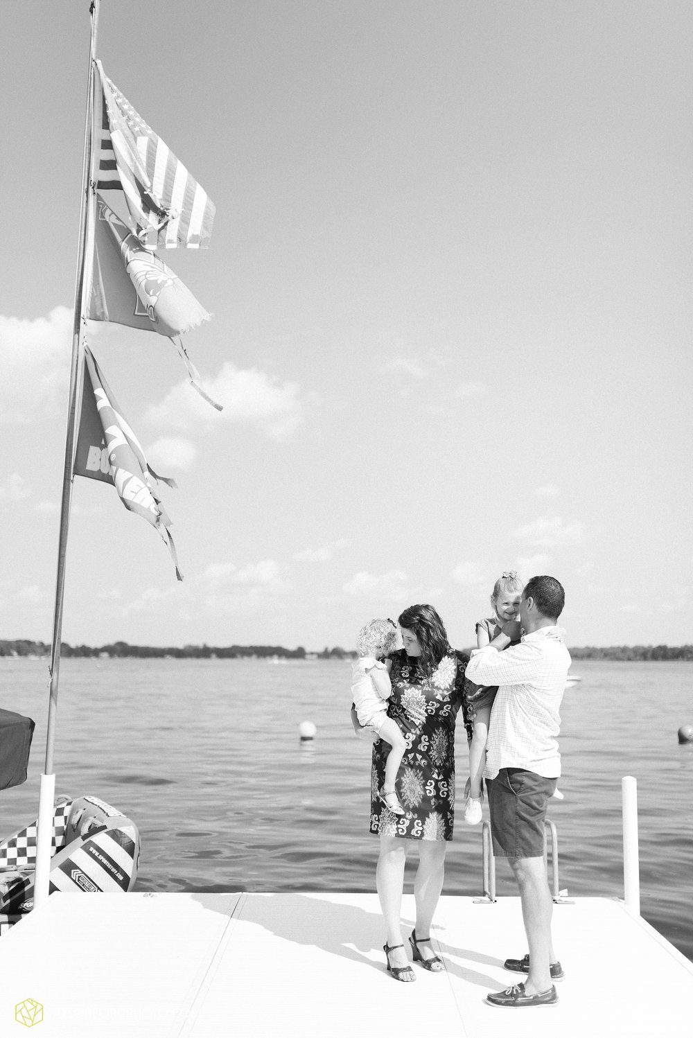 syracuse-indiana-lake-wawasee-family-lake-house-lakeside-park-lifestyle-photographer-taylor-ford-photographer_9433.jpg