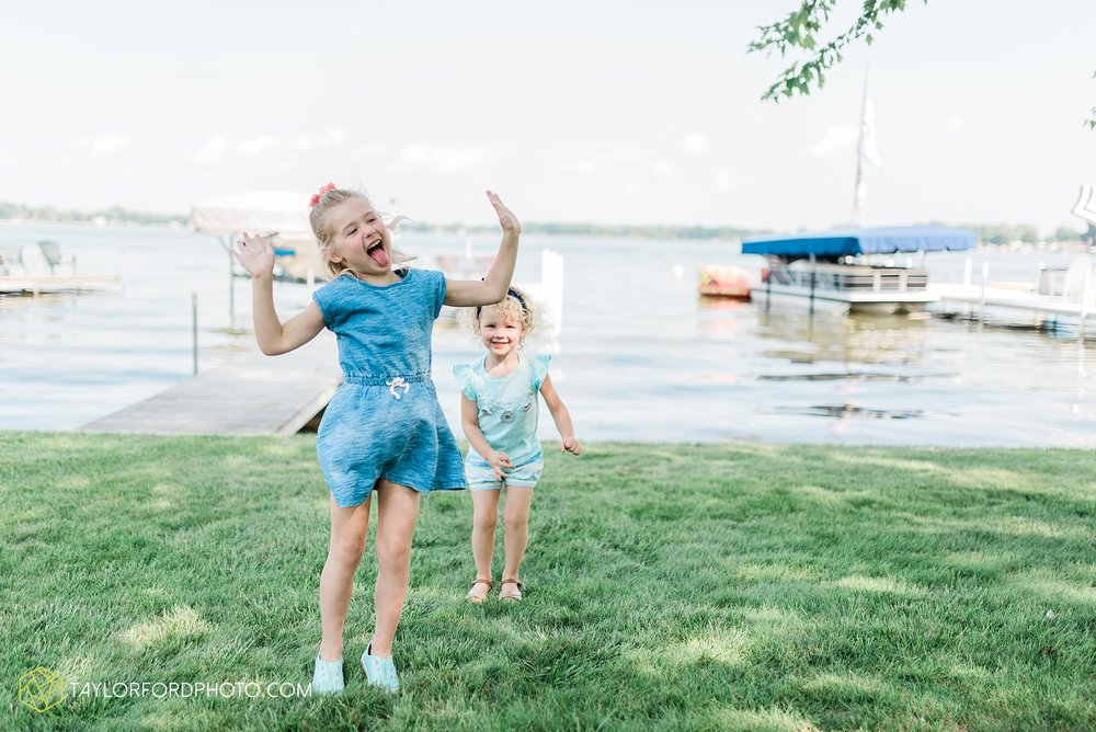 syracuse-indiana-lake-wawasee-family-lake-house-lakeside-park-lifestyle-photographer-taylor-ford-photographer_9442.jpg