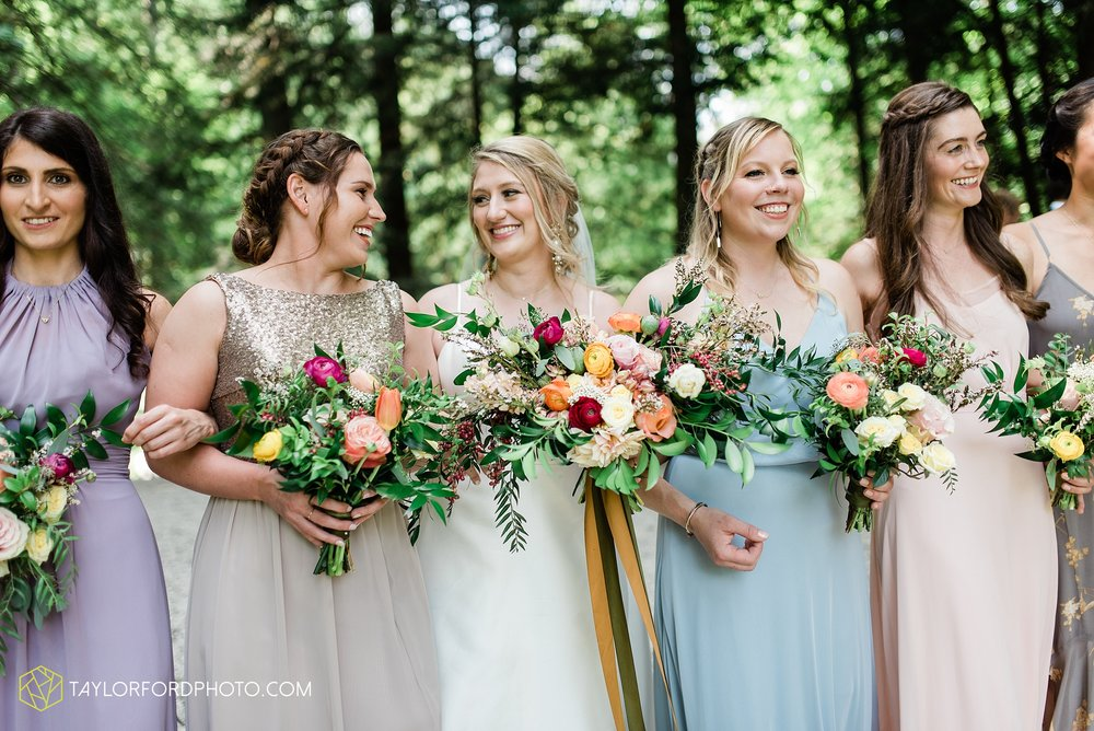 margot-may-evan-kohler-club-at-hillbrook-cleveland-chagrin-falls-outdoor-wedding-bhldn-gardenview-flowers-toledo-photographer-taylor-ford-photographer_9514.jpg