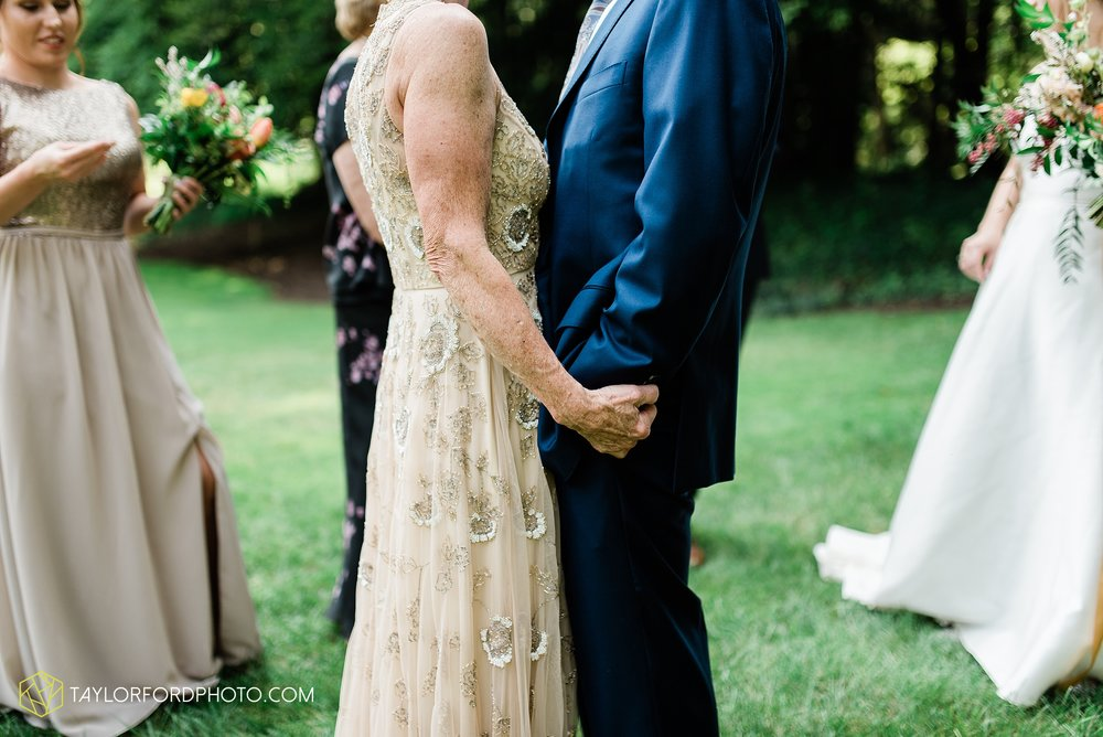 margot-may-evan-kohler-club-at-hillbrook-cleveland-chagrin-falls-outdoor-wedding-bhldn-gardenview-flowers-toledo-photographer-taylor-ford-photographer_9535.jpg