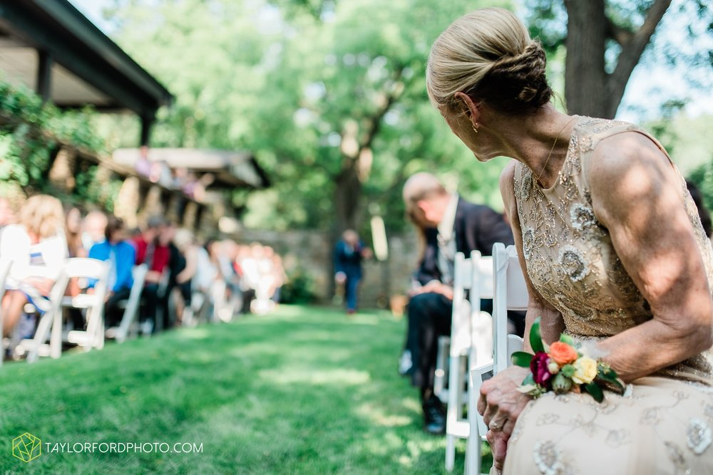 margot-may-evan-kohler-club-at-hillbrook-cleveland-chagrin-falls-outdoor-wedding-bhldn-gardenview-flowers-toledo-photographer-taylor-ford-photographer_9572.jpg