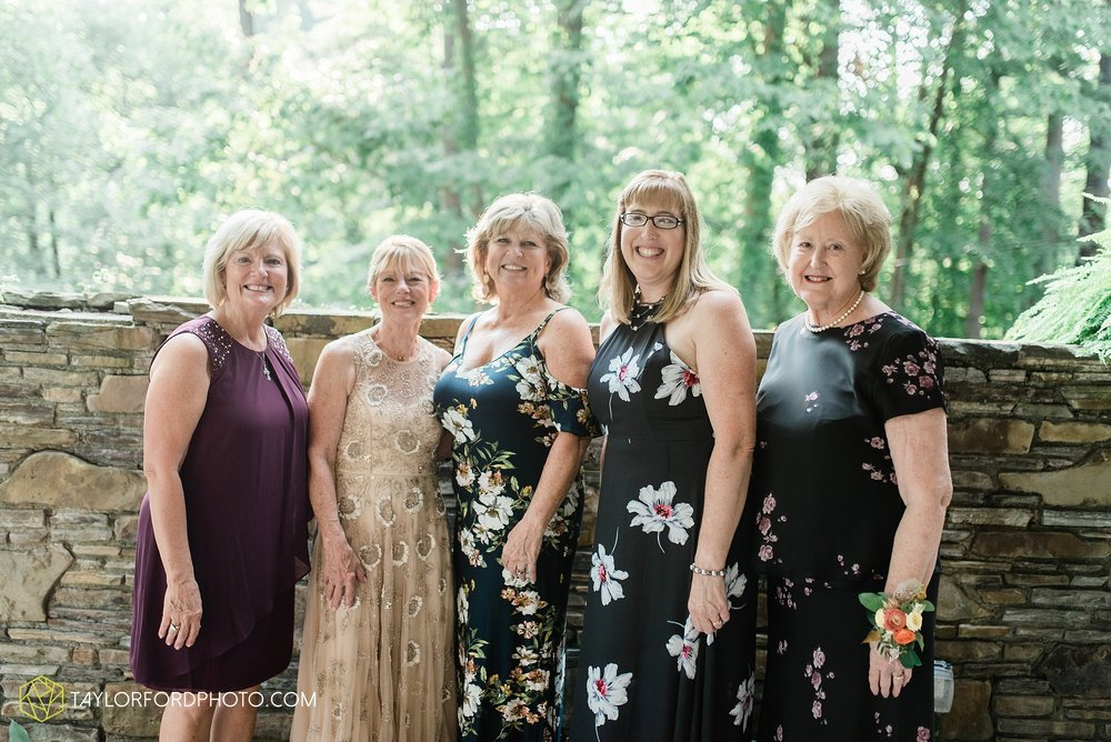 margot-may-evan-kohler-club-at-hillbrook-cleveland-chagrin-falls-outdoor-wedding-bhldn-gardenview-flowers-toledo-photographer-taylor-ford-photographer_9607.jpg