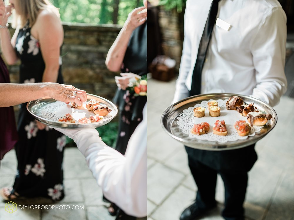 margot-may-evan-kohler-club-at-hillbrook-cleveland-chagrin-falls-outdoor-wedding-bhldn-gardenview-flowers-toledo-photographer-taylor-ford-photographer_9609.jpg