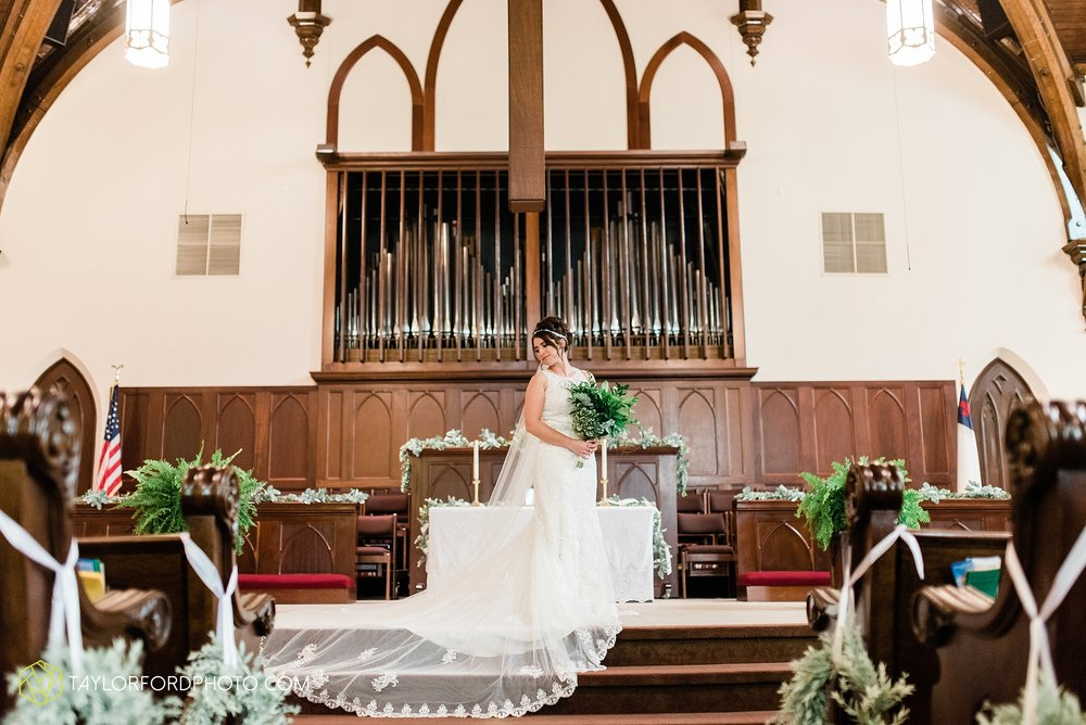 van-wert-ohio-first-united-methodist-church-county-dairy-barn-wedding-photographer-taylor-ford-photography_9812.jpg