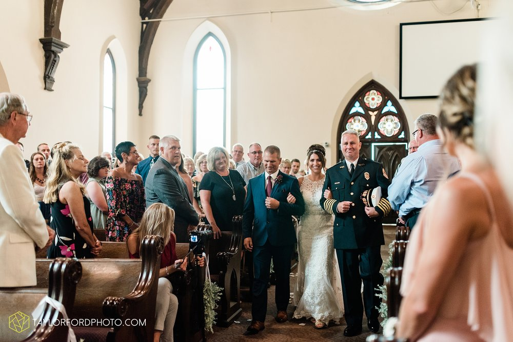 van-wert-ohio-first-united-methodist-church-county-dairy-barn-wedding-photographer-taylor-ford-photography_9829.jpg