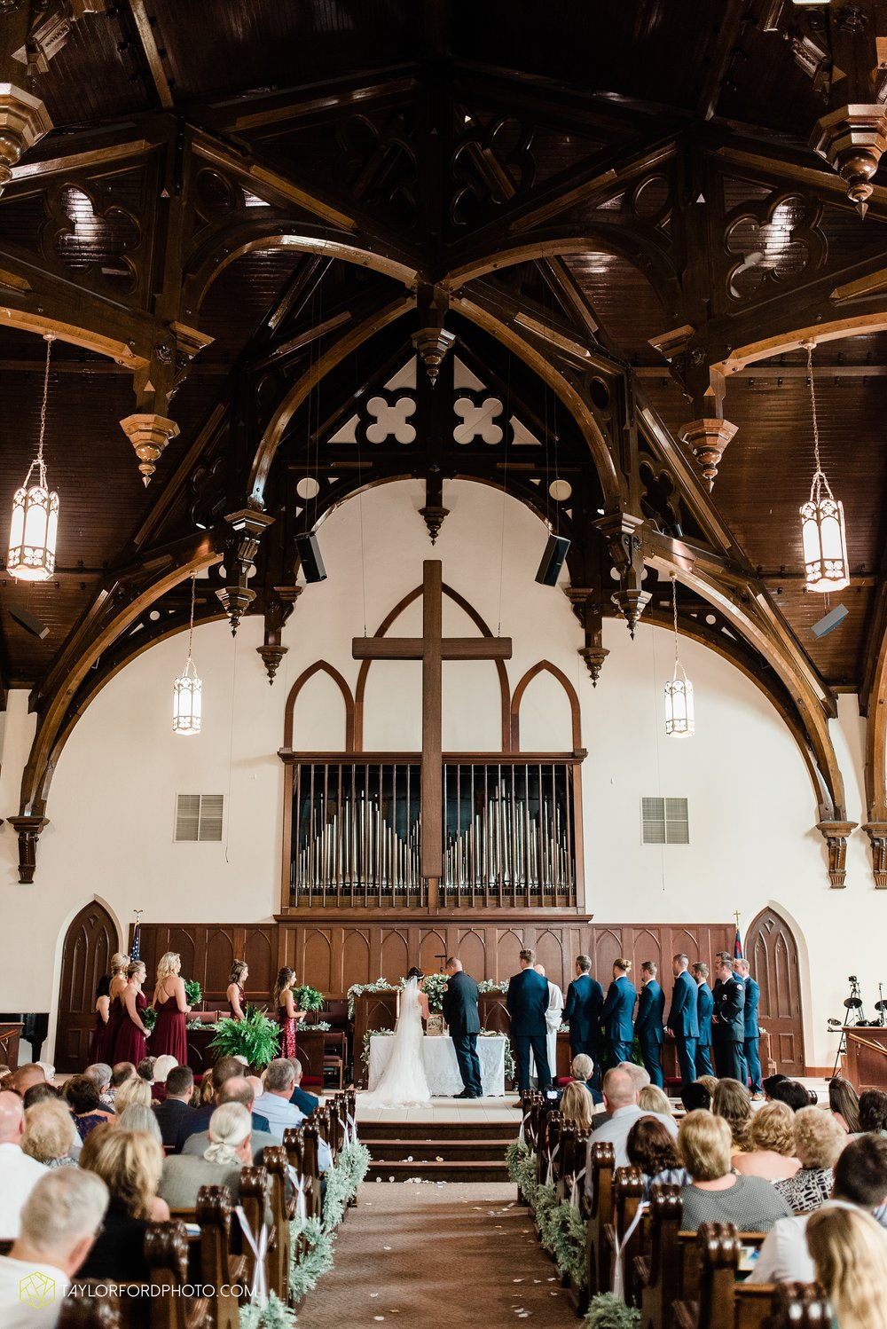van-wert-ohio-first-united-methodist-church-county-dairy-barn-wedding-photographer-taylor-ford-photography_9833.jpg