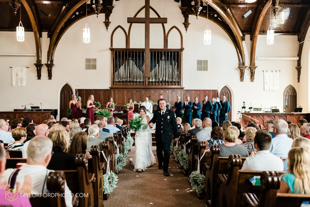 van-wert-ohio-first-united-methodist-church-county-dairy-barn-wedding-photographer-taylor-ford-photography_9836.jpg
