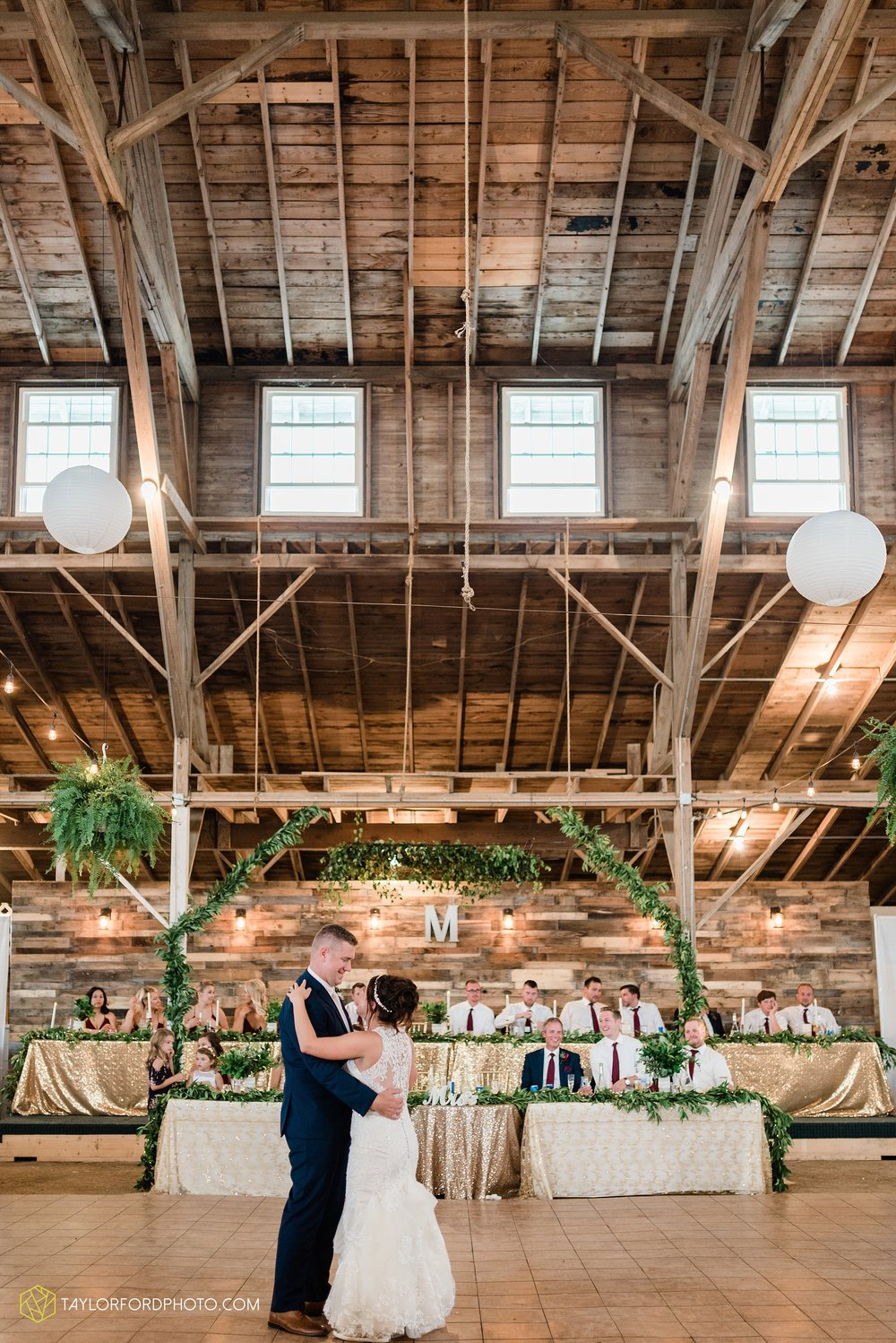 van-wert-ohio-first-united-methodist-church-county-dairy-barn-wedding-photographer-taylor-ford-photography_9875.jpg