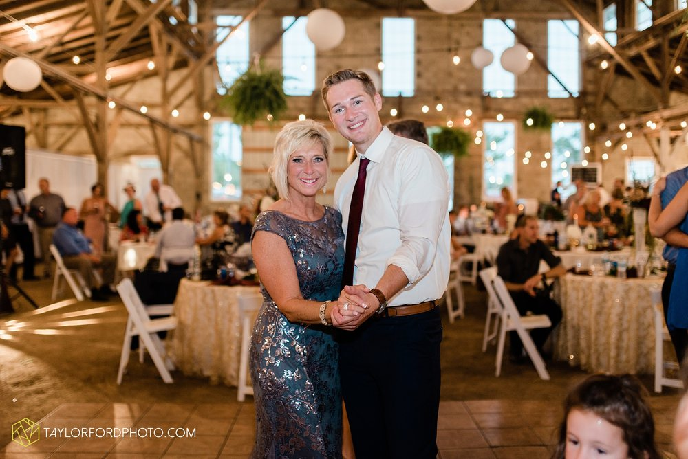 van-wert-ohio-first-united-methodist-church-county-dairy-barn-wedding-photographer-taylor-ford-photography_9881.jpg