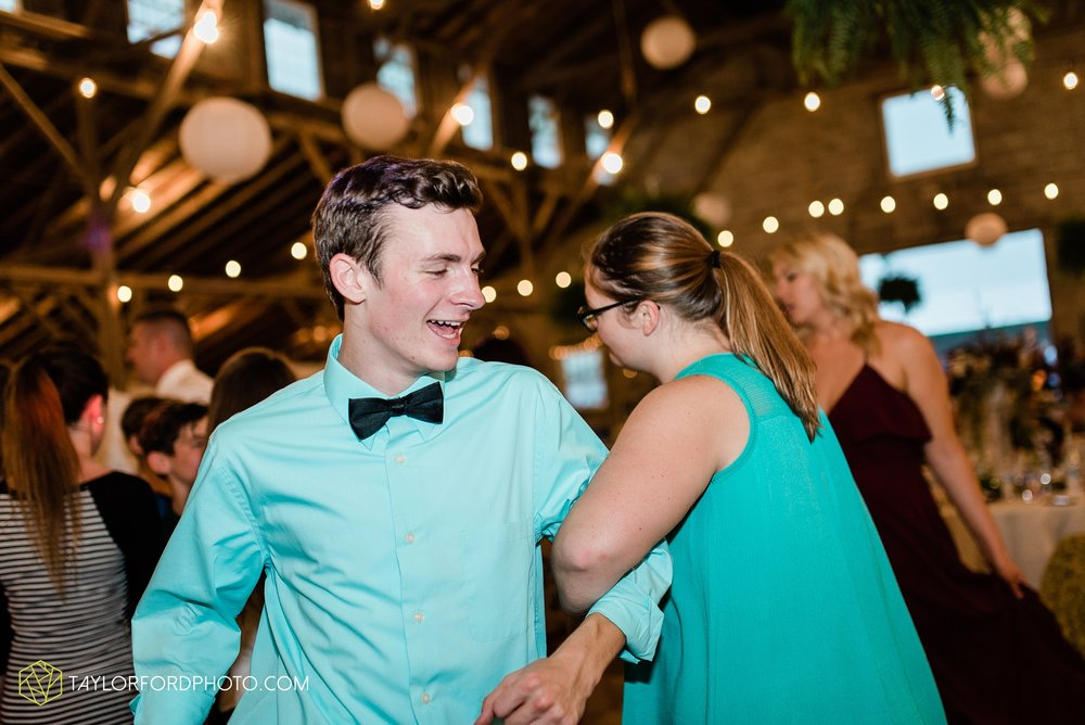 van-wert-ohio-first-united-methodist-church-county-dairy-barn-wedding-photographer-taylor-ford-photography_9886.jpg