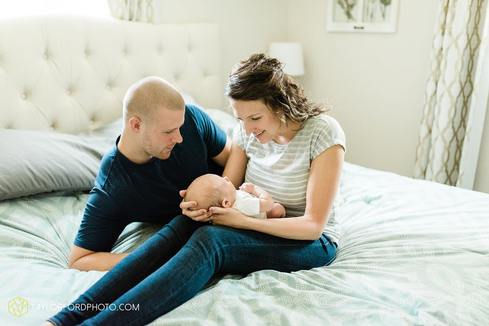 indoor-at-home-nursery-marshall-michigan-family-newborn-photographer-taylor-ford-photography_9973.jpg