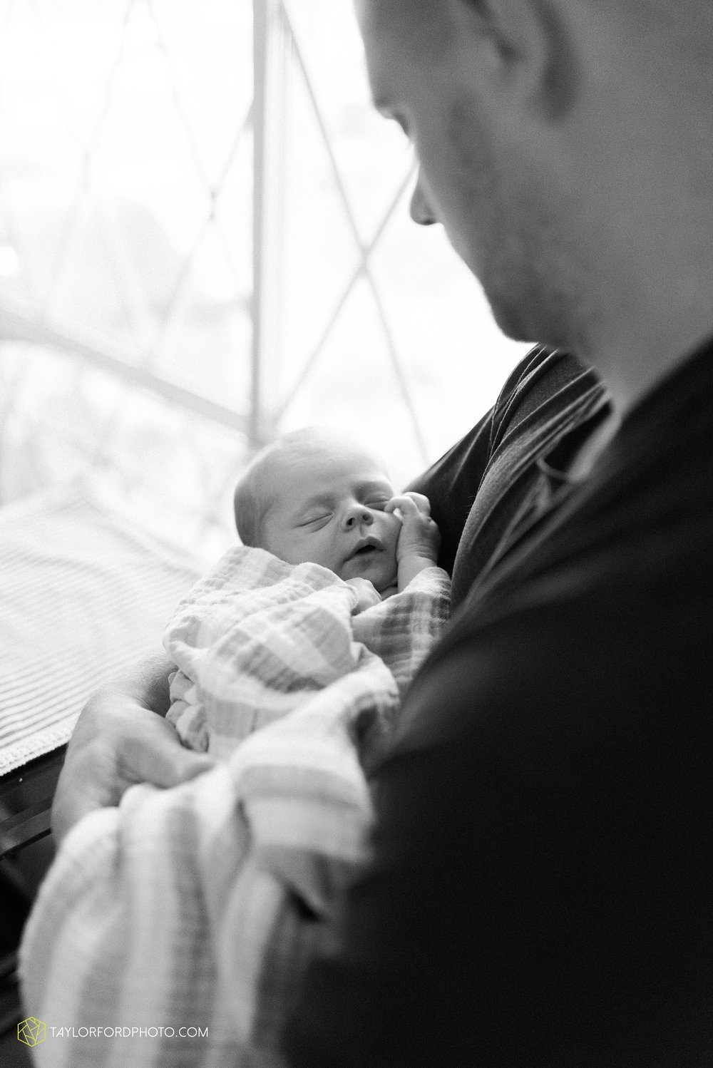 indoor-at-home-nursery-marshall-michigan-family-newborn-photographer-taylor-ford-photography_9982.jpg
