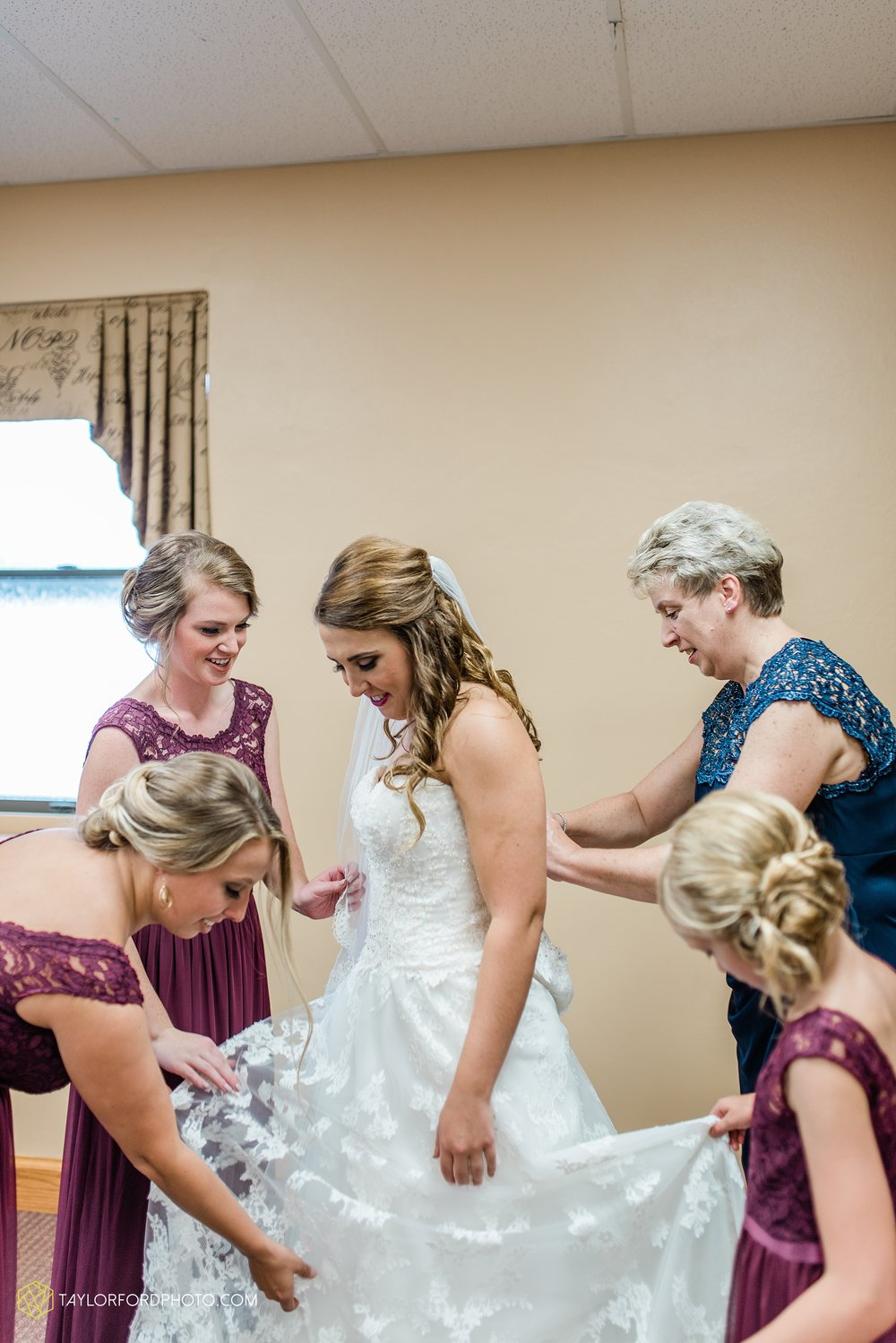 chelsey-zosh-jackson-young-first-united-methodist-church-senior-center-van-wert-ohio-wedding-photographer-taylor-ford-photography_0053.jpg