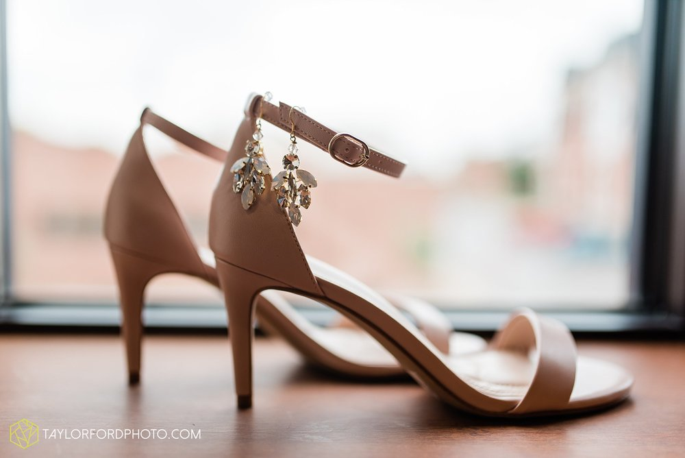 kacee-haden-sholl-second-story-saint-marys-knights-of-columbus-defiance-ohio-wedding-photographer-taylor-ford-photography_0124.jpg