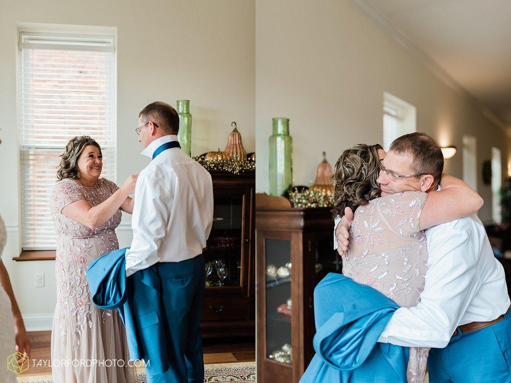 kacee-haden-sholl-second-story-saint-marys-knights-of-columbus-defiance-ohio-wedding-photographer-taylor-ford-photography_0137.jpg