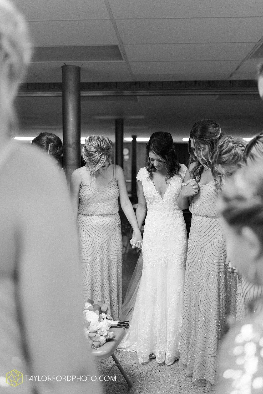 kacee-haden-sholl-second-story-saint-marys-knights-of-columbus-defiance-ohio-wedding-photographer-taylor-ford-photography_0142.jpg