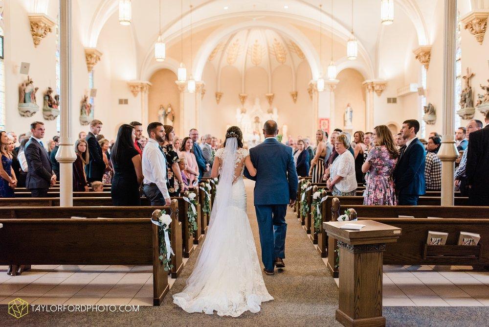kacee-haden-sholl-second-story-saint-marys-knights-of-columbus-defiance-ohio-wedding-photographer-taylor-ford-photography_0150.jpg