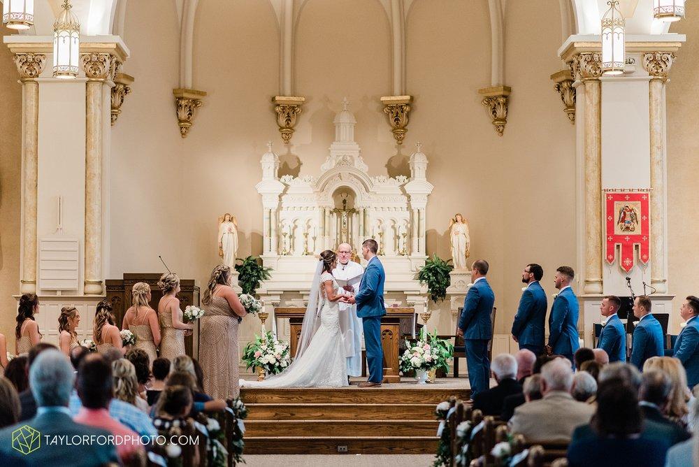 kacee-haden-sholl-second-story-saint-marys-knights-of-columbus-defiance-ohio-wedding-photographer-taylor-ford-photography_0153.jpg