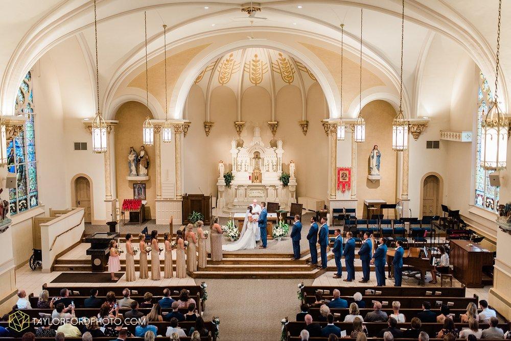 kacee-haden-sholl-second-story-saint-marys-knights-of-columbus-defiance-ohio-wedding-photographer-taylor-ford-photography_0154.jpg
