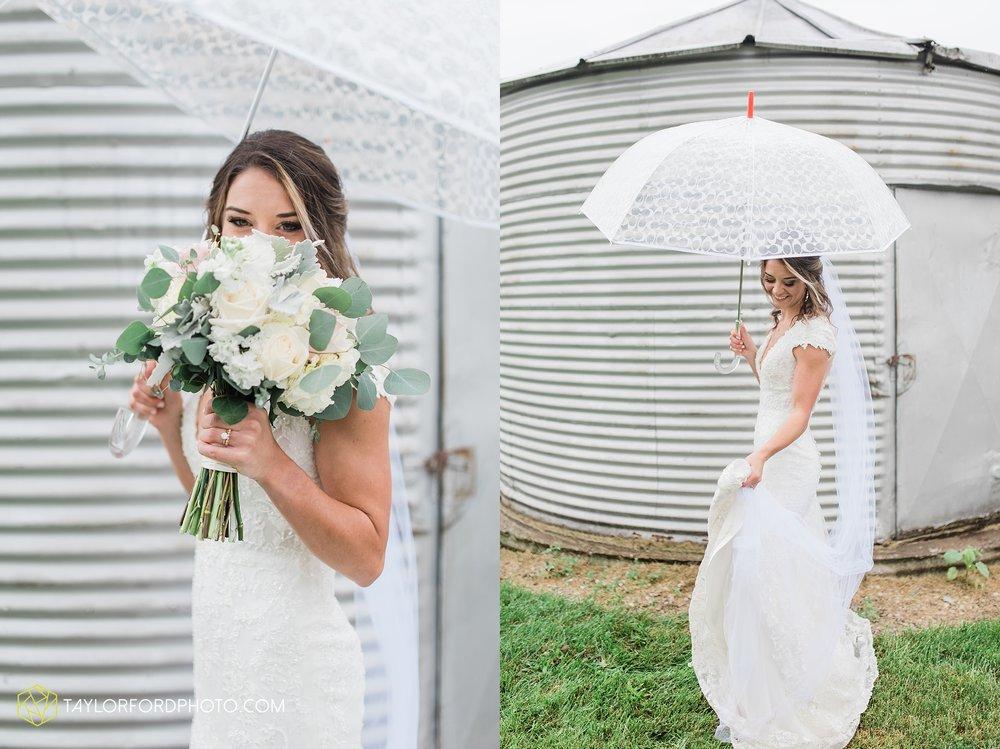 kacee-haden-sholl-second-story-saint-marys-knights-of-columbus-defiance-ohio-wedding-photographer-taylor-ford-photography_0167.jpg